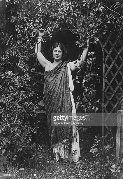 Innovative American dancer Isadora Duncan who pioneered a new style of dance inspired by classical particularly Greek mythology art and music