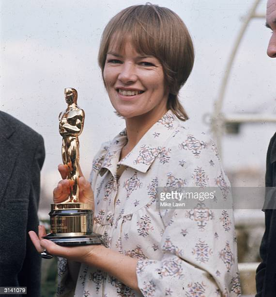 British actress Glenda Jackson holding the Oscar which she won for her role as Gudrun in 'Women in Love'