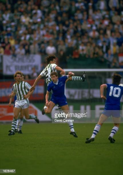 Leopold Cainer of Rapid Vienna and Kevin Sheedy of Everton jump to head the ball during the European Cup Winners Cup Final at the Feyenoord Stadium...