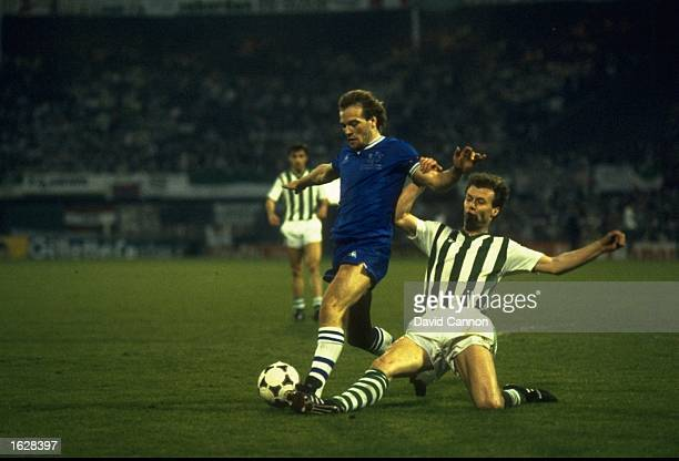 Reinhard Kienast of Rapid Vienna tackles Andy Gray of Everton during the European Cup Winners Cup Final at the Feyenoord Stadium in Rotterdam...