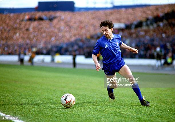 3 May 1986 Football League Division One Chelsea v Liverpool Pat Nevin of Chelsea runs with the ball