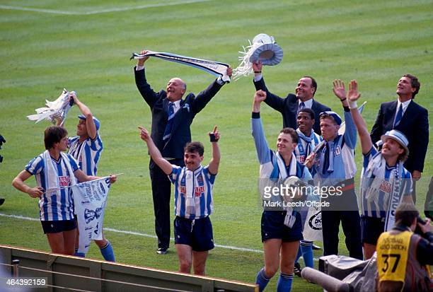 16 May 1987 FA Cup Final Coventry City v Tottenham Hotspur Coventry City manager John Sillett and players celebrate their victory and winning the FA...