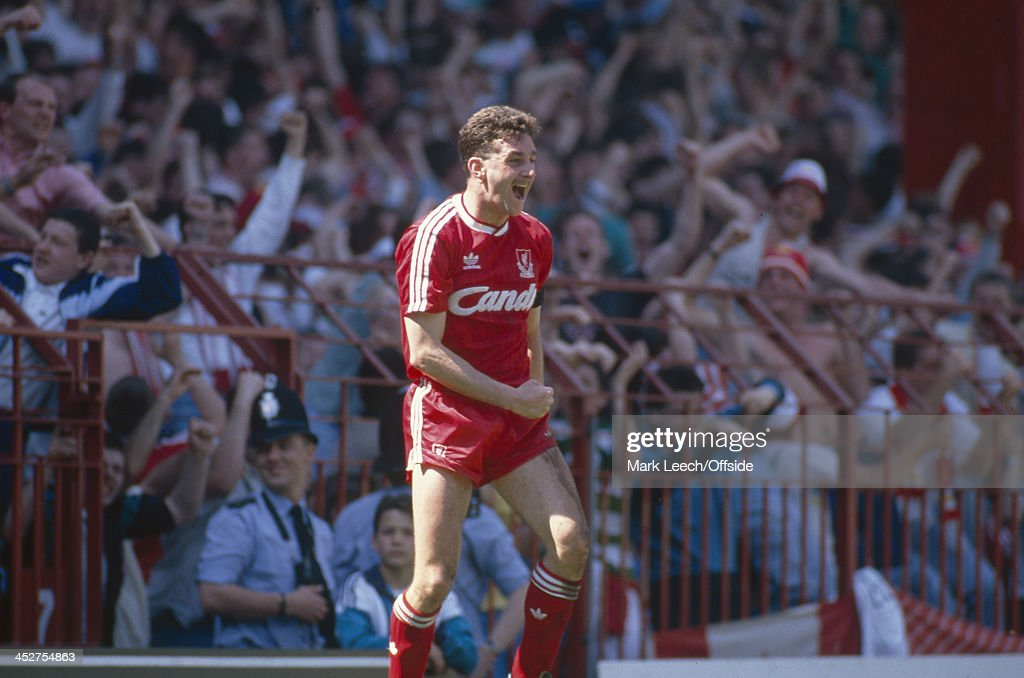 FA Cup Semi-Final 1989 Liverpool v Nottingham Forest : News Photo
