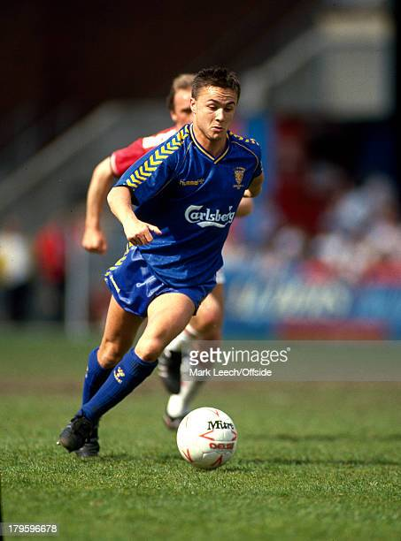 06 May 1989 Football League Division One Charlton Athletic v Wimbledon Dennis wise of Wimbledon