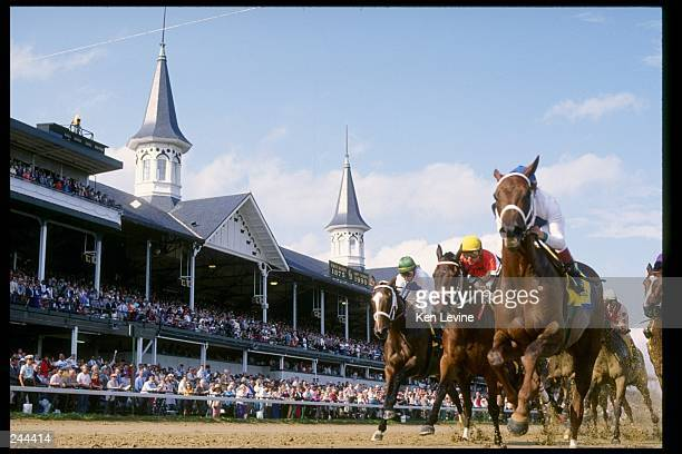 General view of the Kentucky Derby at Churchill Downs in Louisville Kentucky Mandatory Credit Ken Levine /Allsport