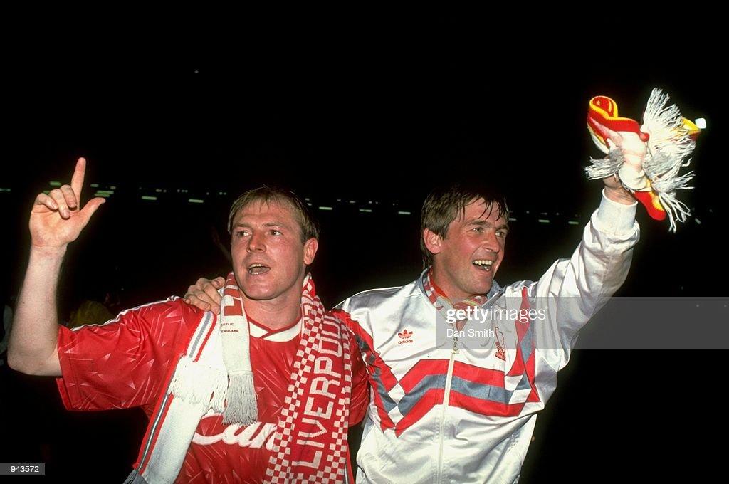 Steve McMahon and Kenny Dalglish : News Photo