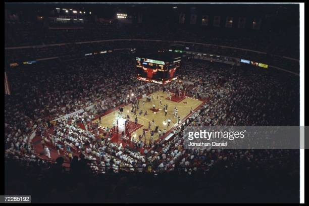 General view of Game One of the NBA finals between the Chicago Bulls and the Los Angeles Lakers at the United Center in Chicago Illinois The Lakers...