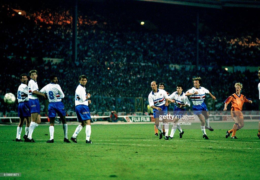 Ronald Koeman Winning Goal 1992 European Cup Final : News Photo