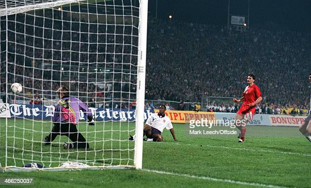 29 May 1993 World Cup Qualifier Poland v England Ian Wright scores his first goal for England