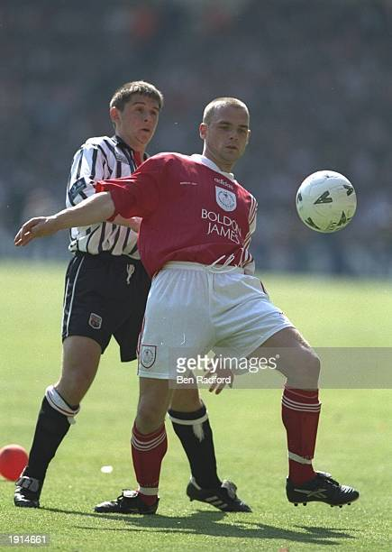 Danny Murphy of Crewe Alexandra shields the ball from a Brentford player during the Nationwide Division Two Play Off Final at Wembley Stadium in...
