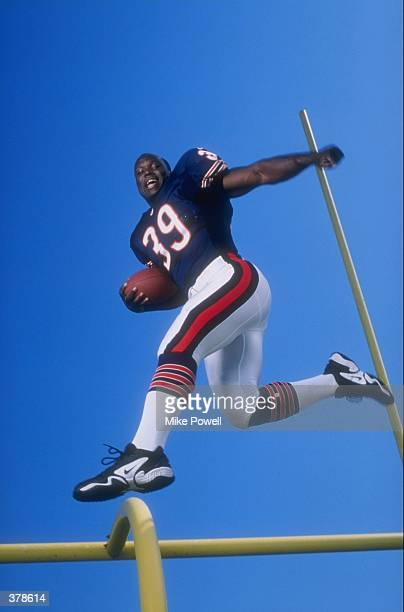 Curtis Enis of the Chicago Bears in action during the Pinnacle NFL Rookie Shoot at the Citrus Bowl in Orlando, Florida. Mandatory Credit: Mike Powell...