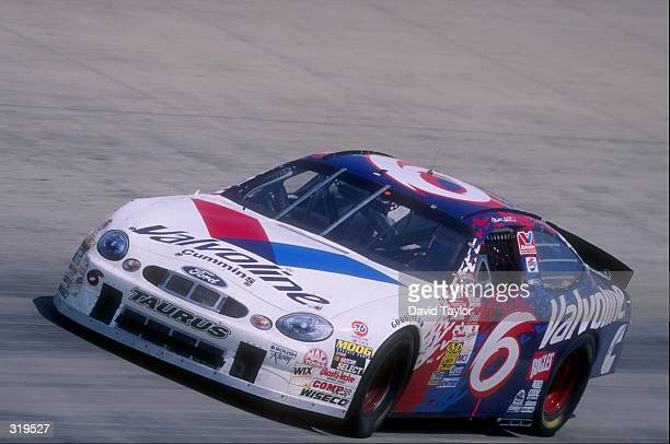 Driver Mark Martin in action during the Nascar MBNA 400 at the Dover Downs Speedway in Dover Delaware Mandatory Credit David Taylor /Allsport