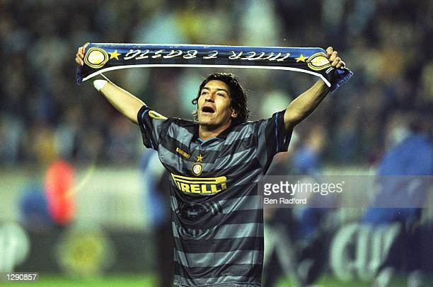 Ivan Zamorano of Inter Milan celebrates after the UEFA Cup final against Lazio at Parc des Princes in Paris Inter Milan won the match 30 Mandatory...