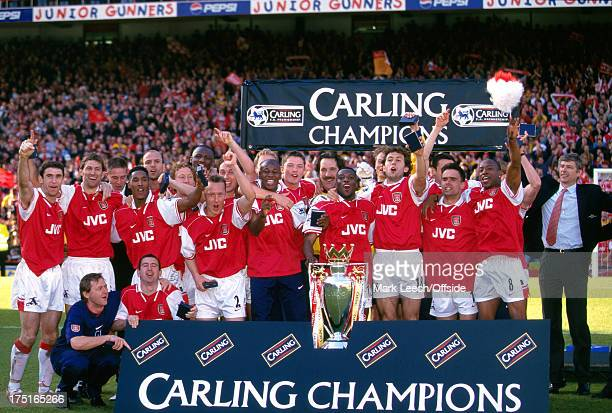 03 May 1998 Premiership Football Arsenal v Everton Arsenal are crowned as the 199798 FA Carling Premiership champions at Highbury
