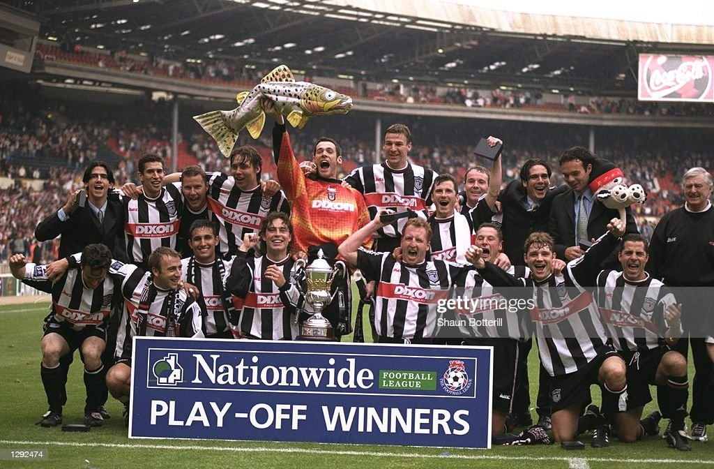 The Grimsby Town team : News Photo
