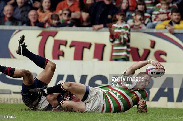 Paul Gustard of Leicester scores during the Allied Dunbar Premiership One match against West Hartlepool played at Welford in Leicester England...