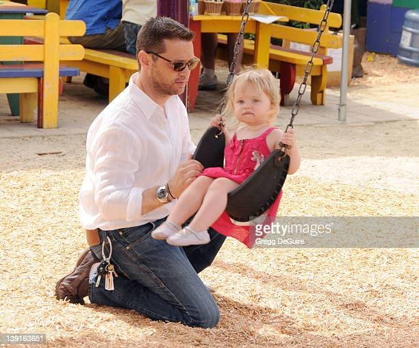 May 2 2009 Santa Monica Ca Jason Priestley and daughter Ava Priestley 2nd Annual Pregnancy Awareness Month Party Held at Little Dolphins by the Sea