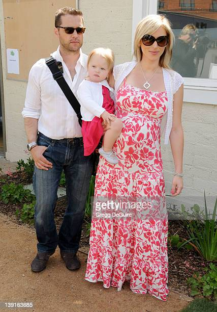 May 2 2009 Santa Monica Ca Jason Priestley wife Naomi LowdePriestley and daughter Ava Priestley 2nd Annual Pregnancy Awareness Month Party Held at...
