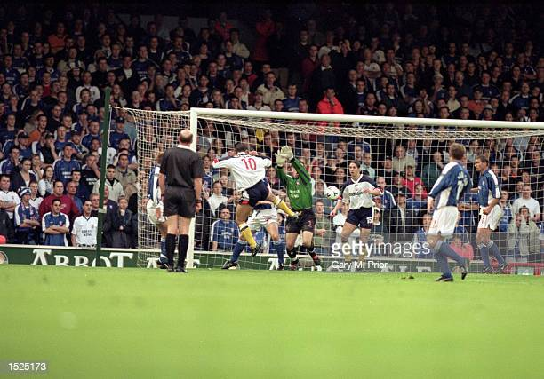 Dean Holdsworth scores for Bolton Wanderers during the Nationwide League Division One playoff semi final second leg against Ipswich Town at Portman...