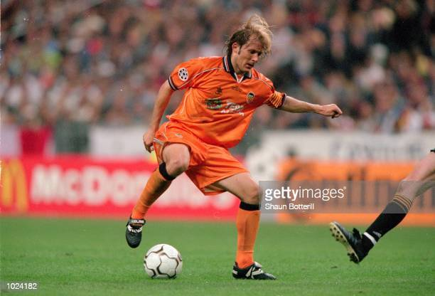 Gaizka Mendieta of Valencia in action during the European Champions League Final 2000 against Real Madrid at the Stade de France SaintDenis France...