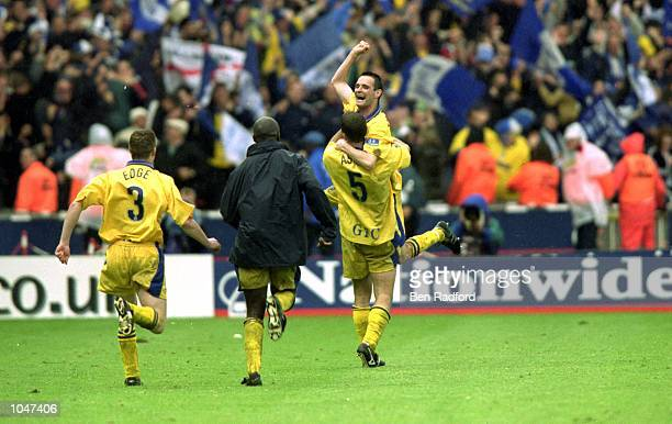 Gillingham celebrate Thomson goal during the Division 2 PlayOff Final against Wigan at Wembley Stadium London England Gillingham won 32 Mandatory...