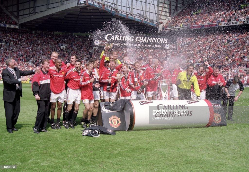 Manchester United celebrate : News Photo