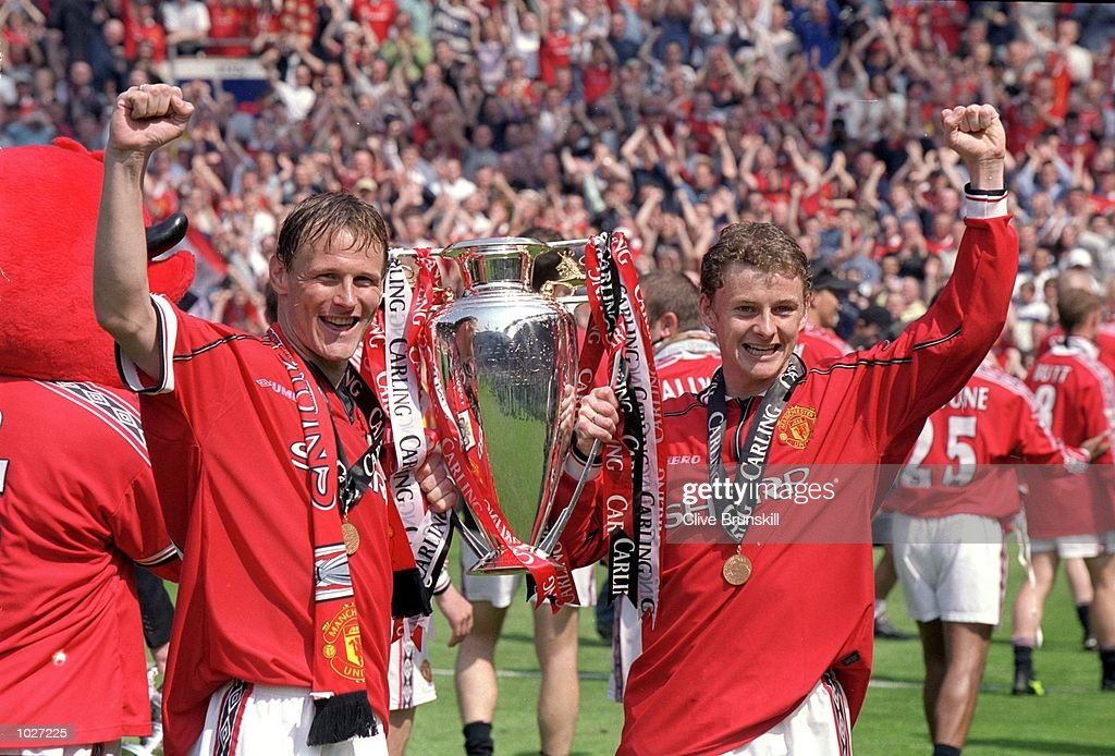 Teddy Sheringham and Ole Gunnar Solskjaer : News Photo