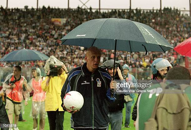 Referee Pierluigi Collina during the Italian Serie A match between Perugia and Juventus at the Stadio Curi A, in Perugia, Italy. Perugia won the...