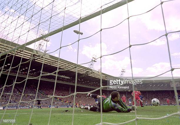 Richard Wright of Ipswich Town saves a penalty from Darren Barnard of Barnsley during the Nationwide League Division One playoff final at Wembley in...