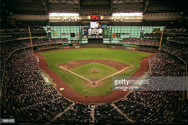 General view of the field at the Brewers'' new Stadium Miller Park in Milwaukee, Wisconsin.Mandatory Credit: Jonathan Daniel /Allsport