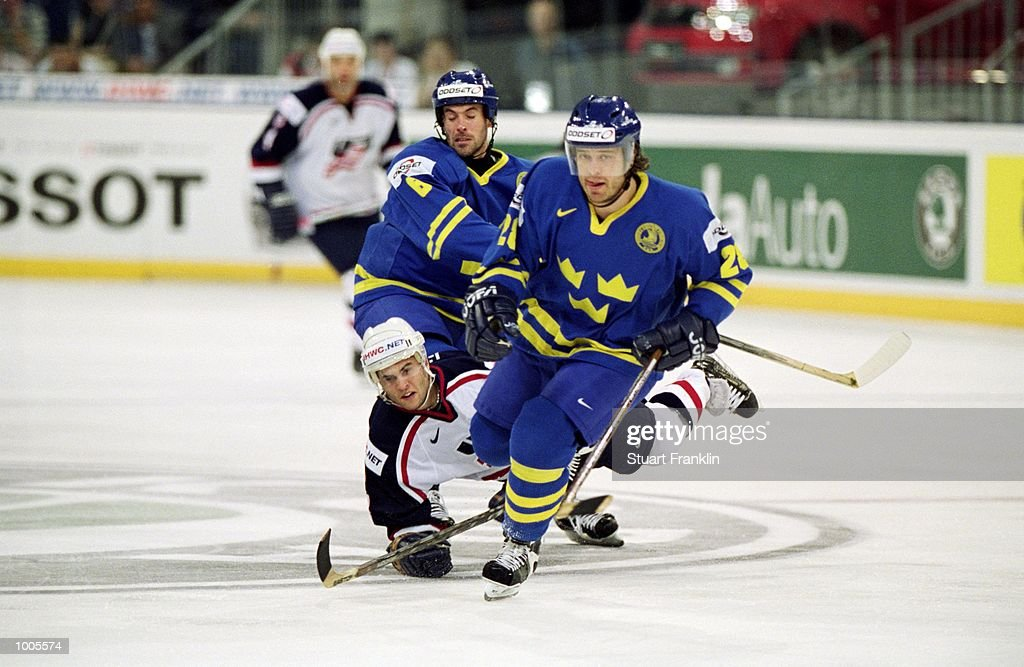 Bjorn Nord of Sweden in action during the IIHF World Ice Hockey Championship Third place play-off match between Sweden and the USA played at the Preussag Arena in Hannover, Germany. \ Mandatory Credit: Stuart Franklin /Allsport