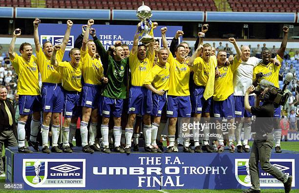 Canvey Island celebrate their victory in FA Umbro Trophy match between Canvey Island and Forest Green Rovers at Villa Park Birmingham Digital Image...