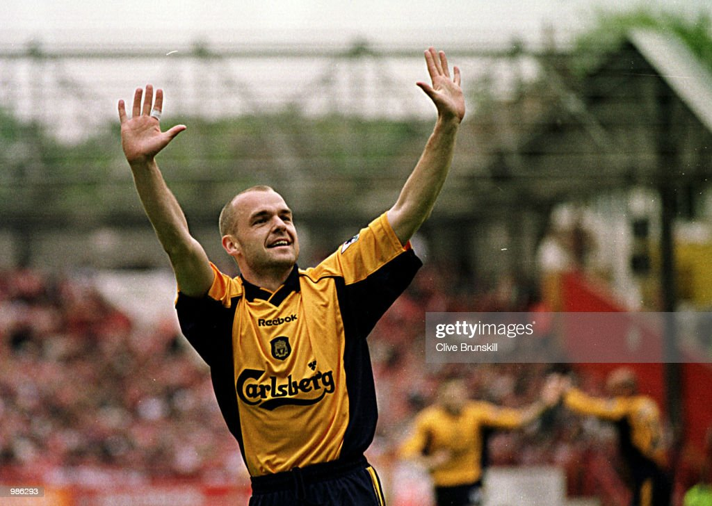 Danny Murphy of Liverpool celebrates scoring the second goal during the FA Carling Premiership match between CHarlton Athletic and Liverpool played at The Valley, London. Mandatory Credit: Clive Brunskill/ALLSPORT