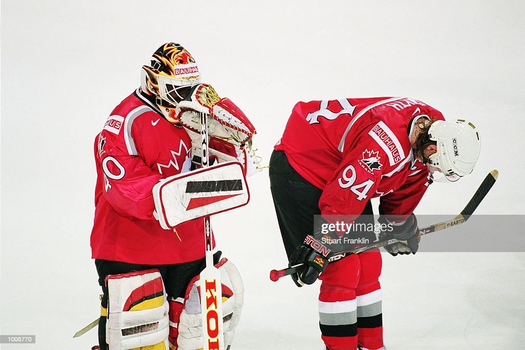 Dejection for Canada after the IIHF World Ice Hockey Championship Quater-final defeat against USA held at the Preussag Arena in Hanover, Germany. \ Mandatory Credit: Stuart Franklin /Allsport