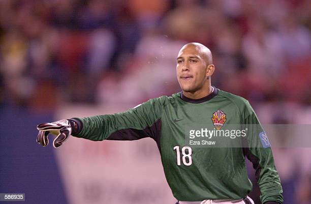 Goalkeeper Tim Howard of the New York / New Jersey MetroStars directs his teammates during the match against the Los Angeles Galaxy at Giants Stadium...