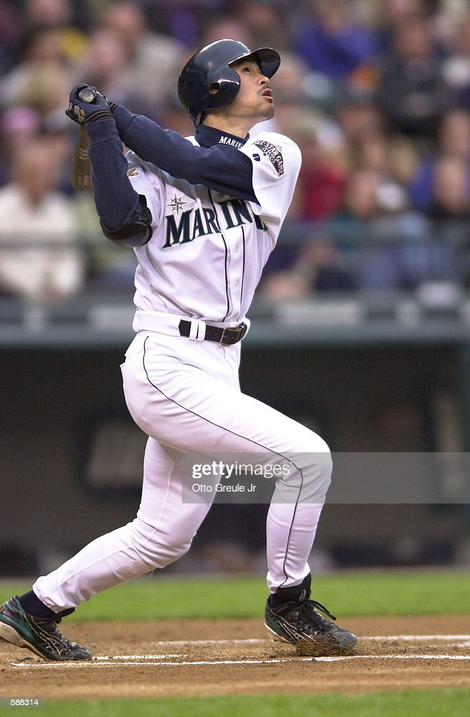 Ichiro Suzuki of the Seattle Mariner extended his hitting streak to 23 games against the new York Yankees at Safeco Field in Seattle, Washington. DIGITAL IMAGE Mandatory Credit: Otto Greule/ALLSPORT