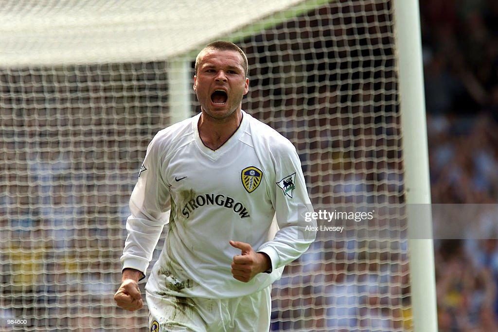Leeds v Bradford x : News Photo