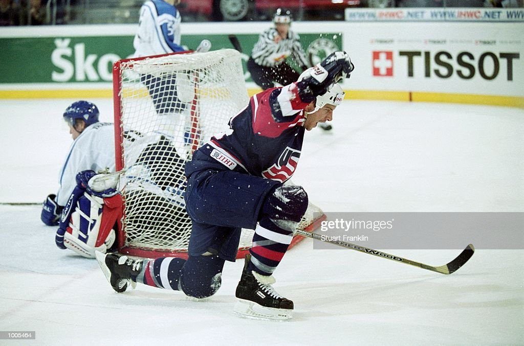 Mike Knuble scores for the USA during the IIHF World Ice Hockey Championships match against Finland played at the Preussag Arena in Hannover, Germany. \ Mandatory Credit: Stuart Franklin /Allsport
