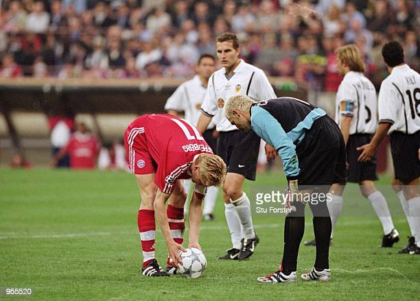 Valencia Goalkeeper Santiago Canizares attempts to ''psyche out'' Bayern Munich Captain Stefan Effenberg during the Uefa Champions League Final...
