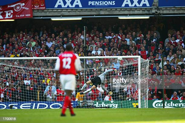 Carlo Cudicini of Chelsea is beaten by Ray Parlour of Arsenal stunning effort as the opening goal goes in during the AXA sponsored FA Cup Final...