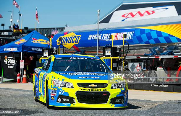 Sprint Cup Series driver Paul Menard Brings the car back to the garage for some tweaking during practice for the FedEx Autism Speaks 400 at Dover...