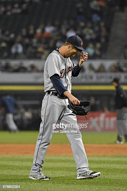 Detroit Tigers starting pitcher Shane Greene leave the mound after being relieved of his duties while playing in a MLB game between the Detroit...