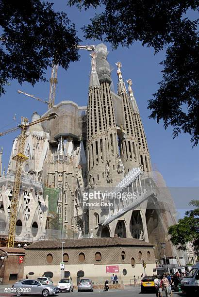 May 2015_ Anthoni Gaudi started building cathedral Sagrada Familie aftr his death cathedral still has not finihed, construction working on Gadui...