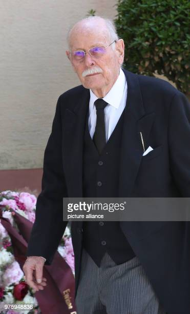 Max Margrave of Baden leaves the church Photo Thomas Warnack/dpa