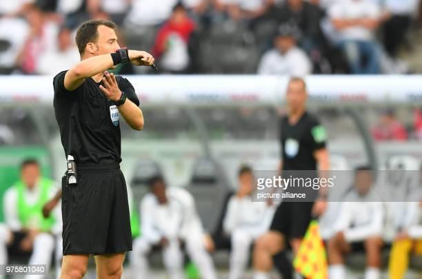 19 May 2018 Germany Berlin DFBPokal Finals FC Bayern Munich vs Eintracht Frankfurt at Olympiastadion Berlin Referee Felix Zwayer Photo Soeren...