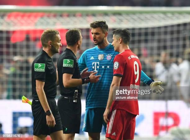 Football German DFB Cup final FC Bayern Munich vs Eintracht Frankfurt at the Olympic Stadium Goalie Sven Ulreich and Robert Lewandowski on...