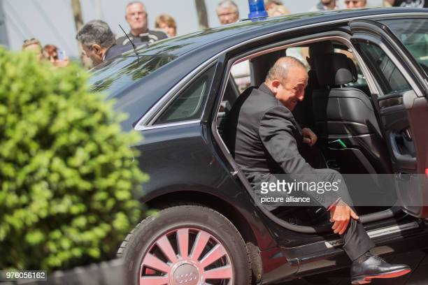 May 2018, Germany, Duesseldorf: The Foreign Minister of Turkey, Mevlut Cavusoglu, arriving at the State Chancellery. 25 years after the racially...
