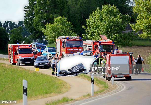Samaritans arrive at the site of a car accident Friedrich Duke of Wuerttemberg fatally crashed into another car Photo Elke Obser/dpa