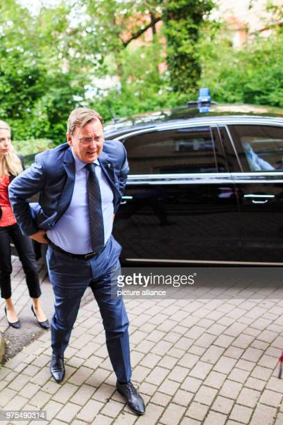 May 2018, Germany, Eisenach: Bodo Ramelow , premier of Thuringia, visits the German Red Cross clothing centre. Photo: Carsten...