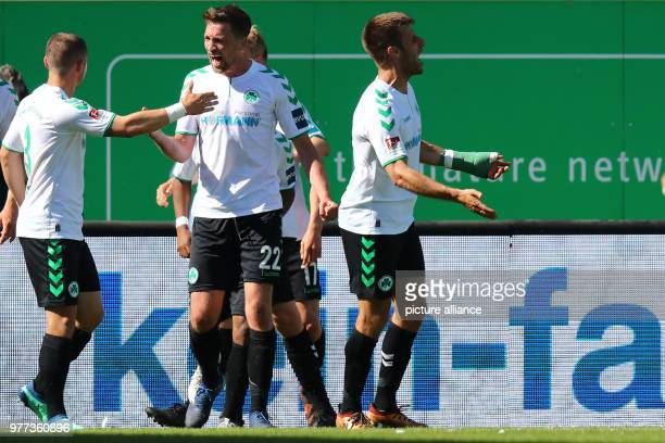 Football 2nd German Bundesliga SpVgg Greuther Fuerth vs MSV Duisburg at the Sportpark Ronhof Thomas Sommer Fuerth's Marco Caligiuri celebrates with...